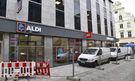 Nächste Woche Eröffnung von Aldi und Five Guys in der Flingerstraße
