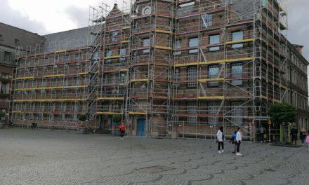 Sanierungsarbeiten am historischen Düsseldorfer Rathaus