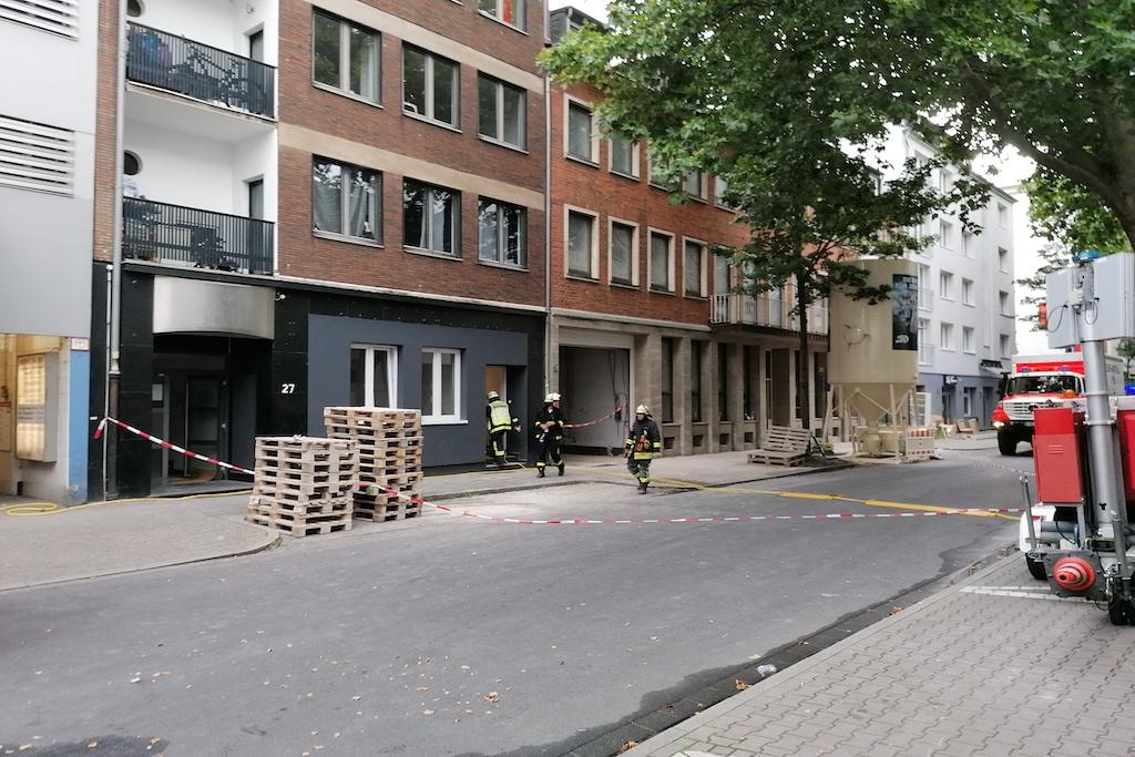 Rechts das betroffene Gebäude Foto: LOKALBÜRO