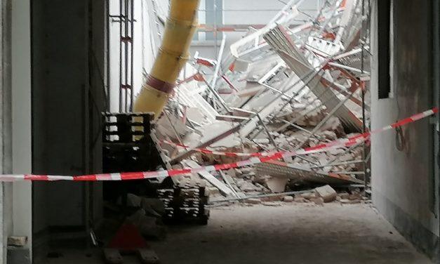 Folgemeldung Wohngebäude zum Teil eingestürzt – zwei Bauarbeiter derzeit vermisst