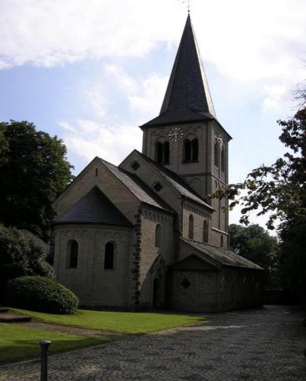 Nikolauskirche Himmelgeist