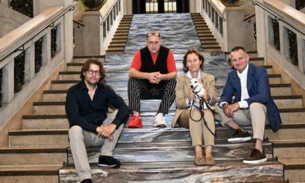 """""""Kommt rhein"""" — der Rhein als Wegweiser in das Wohnzimmer Düsseldorfs"""