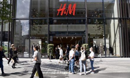 H&M glanzvolle Eröffnung und Unrat auf der Straße