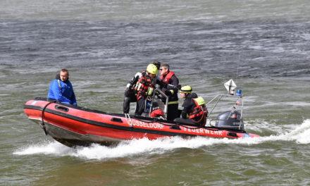 Einsätze am Wochenende für die Feuerwehr Düsseldorf — Drei Rettungsaktionen auf demRhein