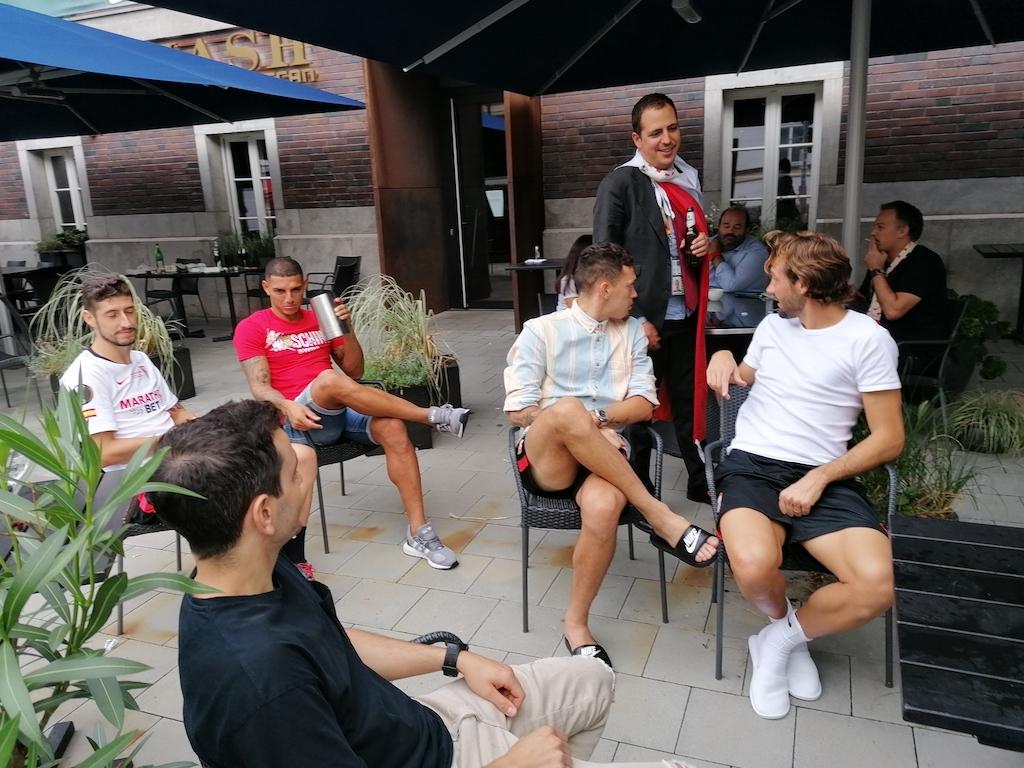 Spieler und Betreuer feierten bis in die frühen Morgenstunden Foto: LOKALBÜRO