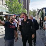 Der Europa League Sieger verläßt sein Quartier…