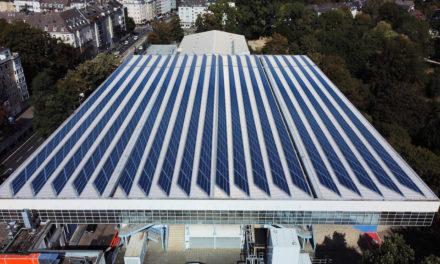 Solarkraftwerk entsteht auf dem Dach des Eisstadions