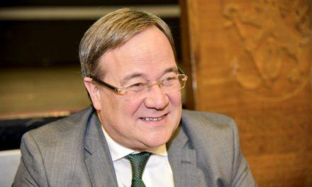 Ministerpräsident Armin Laschet unterstützt Stephan Keller im Wahlkampf