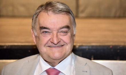 Innenminister Herbert Reul unterstützt Stephan Keller im Wahlkampf