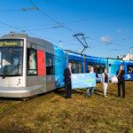 Uniper übergibt 5.000 Mund-Nasenschutz an die Rheinbahn und spendet dadurch 4.335 Euro an das SOS – Kinderdorf Düsseldorf
