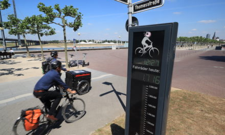 Rekord — Schon mehr als eine Million Radfahrer am Mannesmannufer