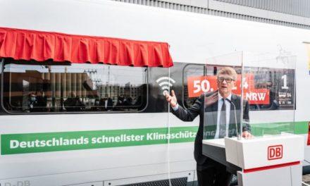 ICE 4 im Düsseldorfer Bahnhof vorgestellt und getauft