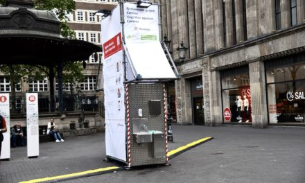 Hygienetower am Hauptbahnhof, an der Heinrich-Heine-Allee und an den Arcaden werden abgebaut