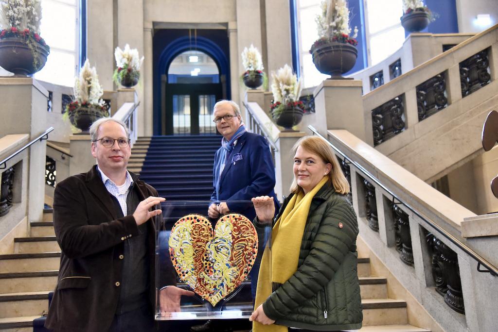 Ehepaar Carsten Jochheim und Frau Andrea Müller Jochheim und Heribert Klein Foto: LOKALBÜRO