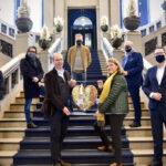 UNICEF Kunst Herz  von Leon Löwentraut für 25.500 Euro versteigert