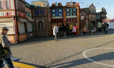 Fünf Buden am Burgplatz haben seit heute geöffnet
