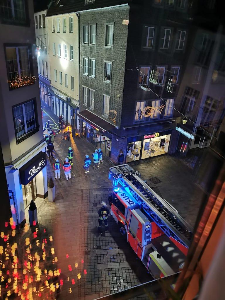 Feuerwehreinsatz in der Bergerstraße Foto: LOKALBÜRO