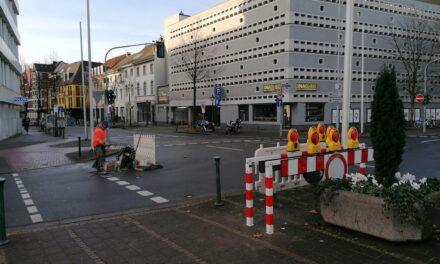 Landeshauptstadt bringt an der Heinrich-Heine-Allee Sperrungen an, die bei Bedarf von der Polizei aktiviert werden können