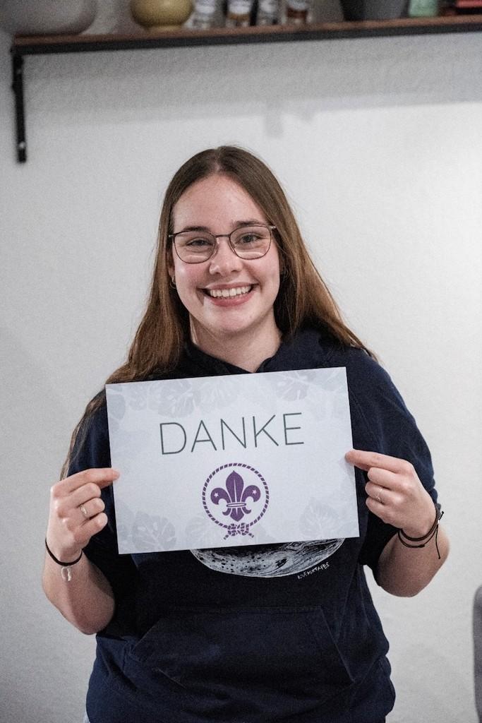 Studentin Lena Balzen freut sich über das Deutschlandstipendium. Foto: Stadtsparkasse Düsseldorf.
