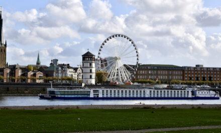 Riesenrad auf dem Burgplatz soll bis Ostern bleiben.
