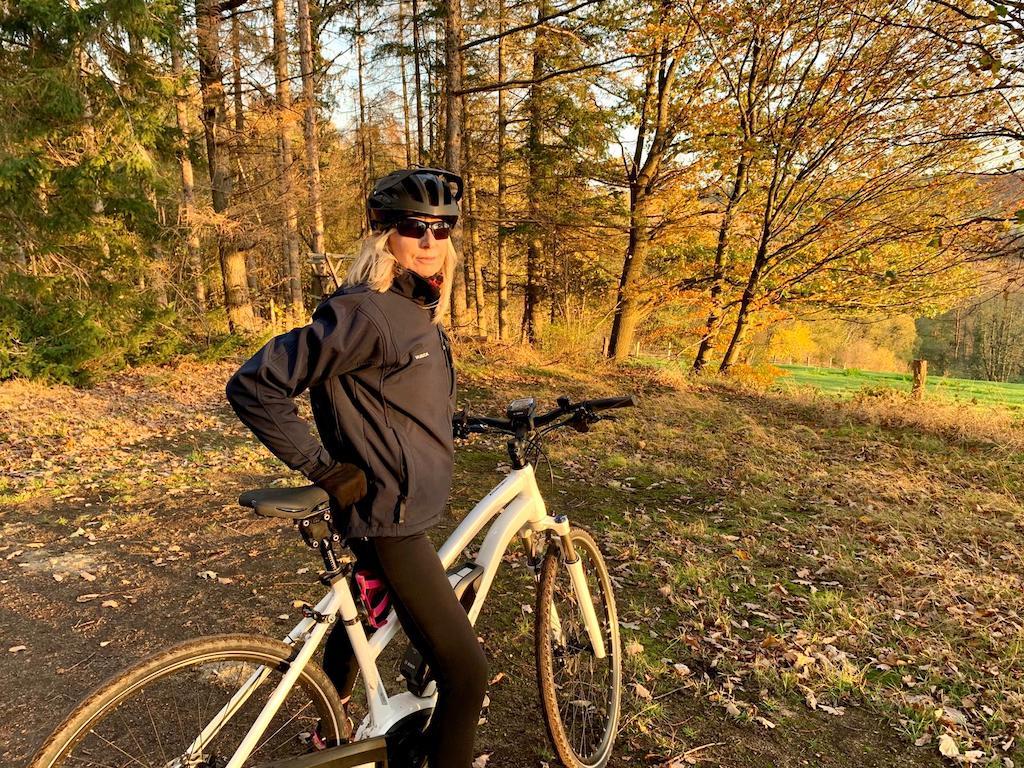 Bikerin Foto: LOKALBÜRO