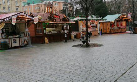 Hütten der Schausteller bleiben bis Ende Januar