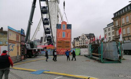 Weihnachtsmarktbuden am Burgplatz werden abgebaut