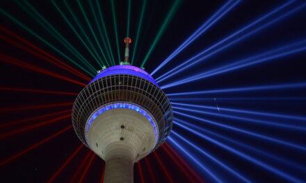 Neben der Lichtinstallation Rheinkomet® bleiben auch weitere Lichtshows am Düsseldorfer Rheinturm möglich