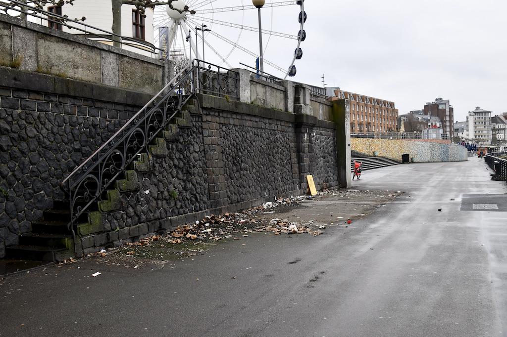 Der Toilettencontainer an der Burgplatztreppe ist entfernt Foto: LOKALBÜRO
