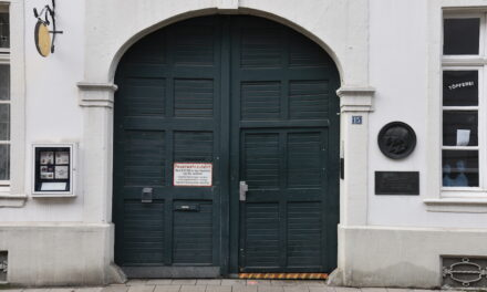 Arbeiten am Schumann-Haus werden schnellstmöglich wieder aufgenommen