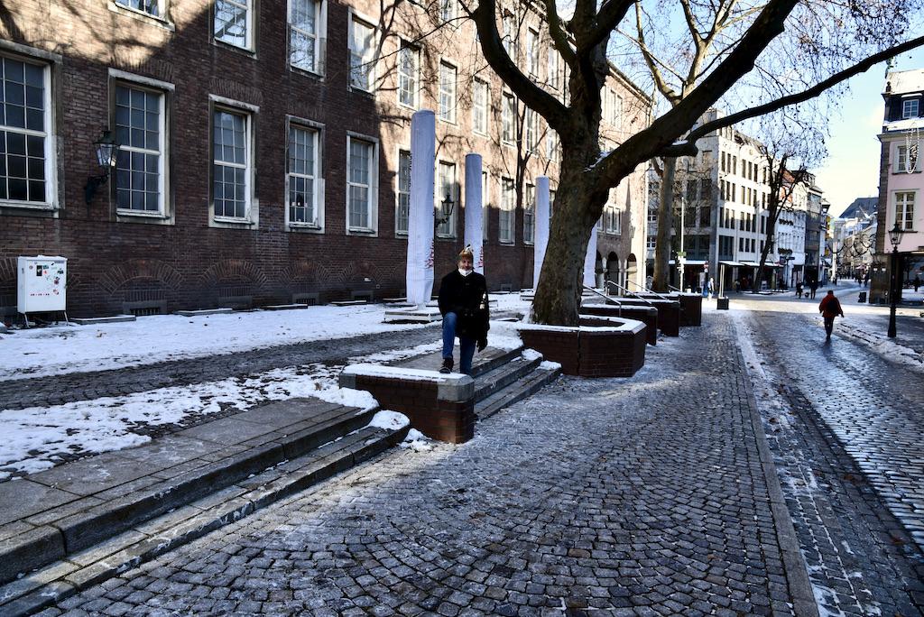 Alex aus der Altstadt einsam am Uerige Foto: LOKALBÜRO