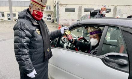Erste Drive-In-Ordensverleihung desCC