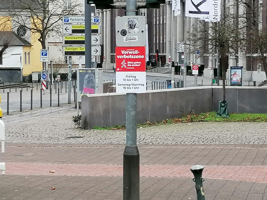 Verbotsschilder Vereilverbot Foto: LOKALBÜRO