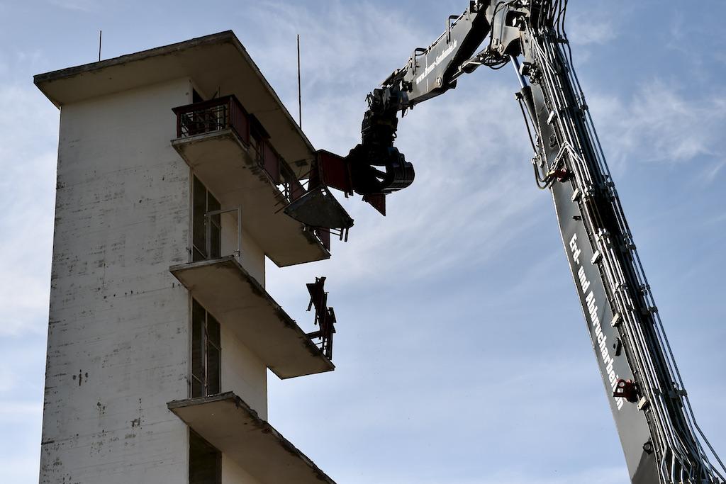 Abriss der Balkone Foto: LOKALBÜRO