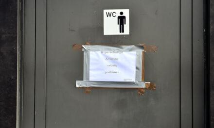 Was ist mit der Toilette am Burgplatz los?
