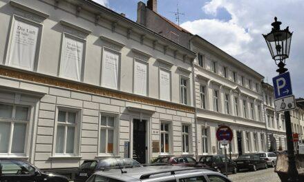 Heinrich-Heine-Institut und Albert-Einstein-Gymnasium beschließen Bildungspartnerschaft