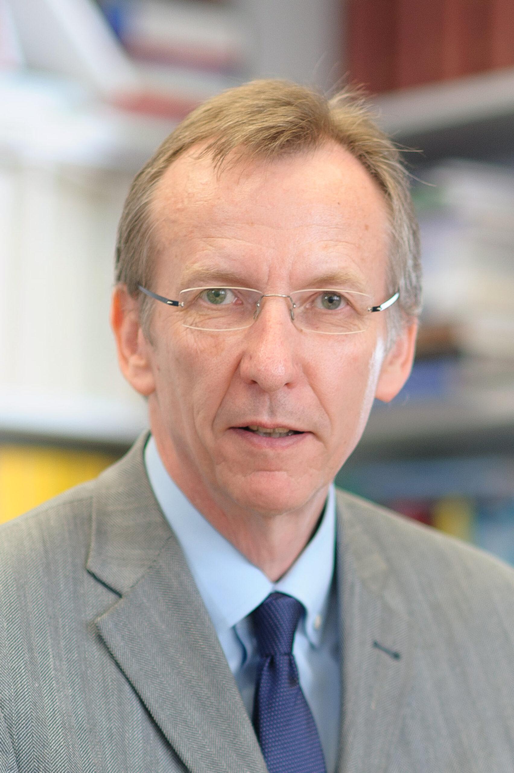 Prof. em. Werner Pascha