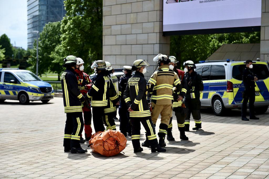 Feuerwehr war zur Unterstützung vor Ort Foto: LOKALBÜRO