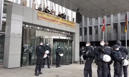 Extinction Rebellion blockiert Innenministerium NRW