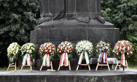 Stille Kranzniederlegung anlässlich des 80. Jahrestages des Überfalls auf die Sowjetunion