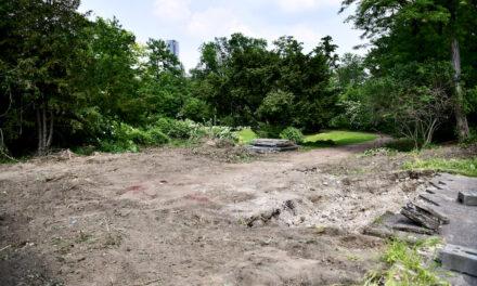 Bauarbeiten in der Grünanlage Buscher Mühle