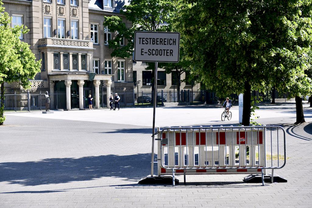 Altes Schild Foto: LOKALBÜRO