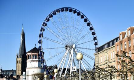 Riesenrad noch bis Sonntag auf dem Burgplatz