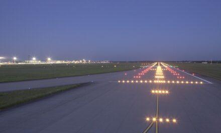 Deutsche Flugsicherung und Flughafen bereiten sich auf Zweibahnbetrieb in Düsseldorf vor