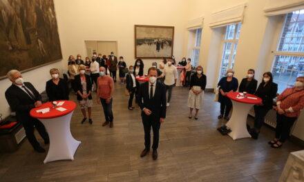 OB Keller empfing Düsseldorfer Pflegekräfte im Rathaus