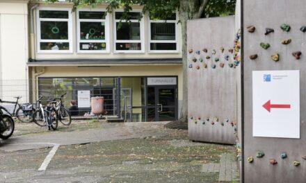 Info-Point in der KGS Unter den Eichen: Stadt bündelt Kompetenzen für betroffene Menschen