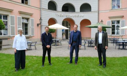Oberbürgermeister Dr. Keller besucht Theatermuseum Düsseldorf
