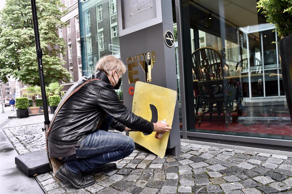 Eine Kunst Banane für die Stele Foto: LOKALBÜRO