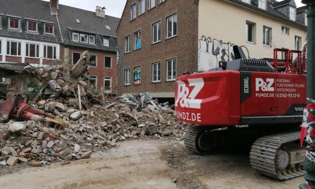 Abriss der Häuser in der Ritterstraße und an der Eiskellerstraße haben begonnen