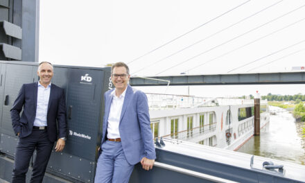 RheinWerke und Köln-Düsseldorfer Deutsche Rheinschiffahrt nehmen vier elektrifizierte Steiger in Betrieb